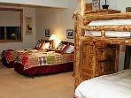Bunk room sleeps 4 - Chalet Chloe