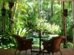 Paradise Villa - Alfresco Dining on the Verandah