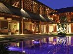 Villa Windu Sari at night