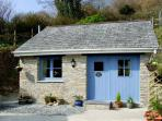 KINGFISHER COTTAGE, country holiday cottage, with a garden in Pentewan, Ref 2957