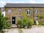 SPOUT BARN, pet friendly, luxury holiday cottage, with a garden in Shottle, Ref