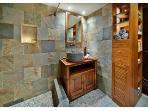 Mauka Spa Bath