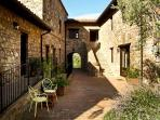 The Farmhouse Fontanelle has a characteristic terracotta courtyard