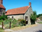 THE OLD BULL STALL, pet friendly, country holiday cottage, with a garden in Penselwood, Ref 1763