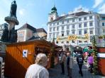 5 minutes walk: the Freyung square with the Easter market.Also here Christmas market and more ..