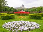 8 minutes walk: the Volksgarten (Hofburg gardens) between the Hofburg and the Burgtheater