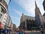 3 minutes walk: Stefansdom, Stefansplatz, St-Stephens cathedral