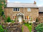 PROSPECT COTTAGE, family friendly, country holiday cottage, with a garden in Lan