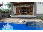 Ground-floor studio and its private pool