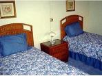 708 bedroom2 600x800