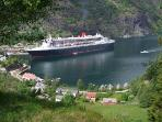 Queen Mary 2 visiting Flåm