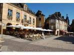 Sarlat Mairie (the neighbours)