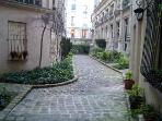 #328 Pantheon courtyard