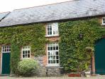 Mount Cashel Lodge - sleeps 5