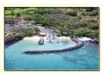 nearby Boat Harbor for easy access to snorkeling and whale watching trips
