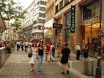 Viennas largest shopping street Mariahilferstraße - accessible by short walk