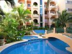 2 stunning pools - garden pool