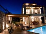 Villa 1 - Night view