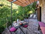 studio CORINNA private al fresco dining area