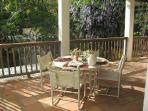 Outdoor dining w/barbeque