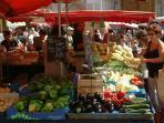 Cluny market