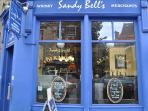 The world famous Sandy Bell's folk music pub is 250 metres from the apartment