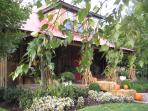Luxury Cabin,Lake, Pavilion,Treehouse, Franklin, Tn,  Pets allowed!