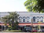 Storefronts in historic downtown Hilo on the bay
