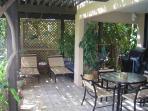 Spacious and Private 14 x 20 Lanai, Propane Barbecue, Tropical View, Bougainvillea Trellis