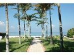 Naples Cottage Rental - Walk to Beach & Fifth Ave !