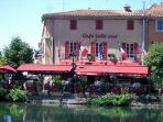 Cafe Bellevue on the Canal (5 mins la Marisol)