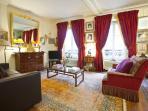 The fantastic sunny Pompadour living room