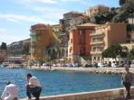 Take a nice walk on the Villefranche Promenade