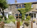 NUMBER 2 PICKLES HILL COTTAGE, character holiday cottage, with a garden in Oldfield, Ref 4128