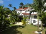 Creole styled Villa, 2 minutes away from the beach