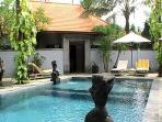 shared pool;location of villa Oranye