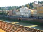 Perfect Views-Ponte Vecchio-Terrace-Luxury-Memoria