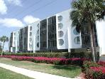 Grandview Condo--*Walk to the Beach*Cheap Rates*!