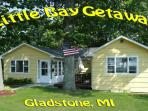 """Little Bay Getaway"" Cottage on Beautiful Lake Michigan"