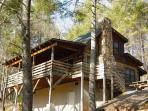 Deer Run Cabin - Secluded Log Cabin Wooded Setting