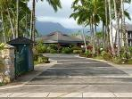 Hanalei Bay Resort Entrance