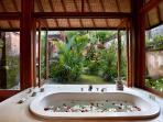 Villa Bunga Wangi Lotus Suite Bathroom with Petals ...