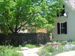 The spring perenniel garden