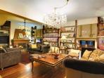Pileas Living Room