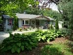 Secluded ROSE COTTAGE with Hot Tub, Swimming Pool, Massage Chair, King, Queens & Twin, Kid Friendly
