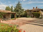 Beautiful Farmhouse in the Chianti Near Town - Casa Radda