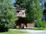 Secluded and Quiet, huge, fenced backyard with mature trees. Views, views and river is nearby...