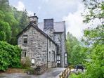 BRYN CEMLYN, pet friendly, country holiday cottage, with a garden in Ganllwyd, Ref 4588