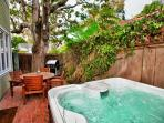 Bubbling Jacuzzi tub is perfect after a day of sight seeing.