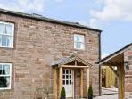THE COW BYRE , romantic, luxury holiday cottage, with open fire in Barras, Ref 7512